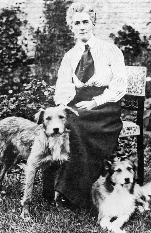 Edith Cavell (1865 - 1915)