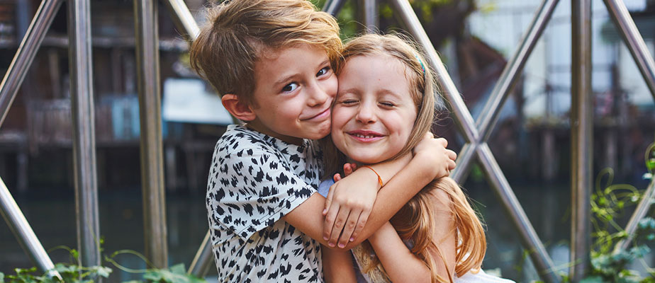 """The Hidden Benefits of Girl-Boy Friendships and How to Foster Them Between Children"